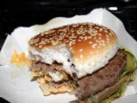 Средний обед в Макдональдсе превышает дневную норму потребления жиров в 1,5 раза